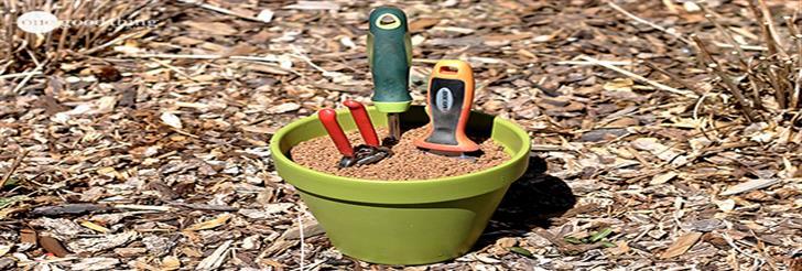 Napravite svoj čistač + držač + oštrač baštenskog alata